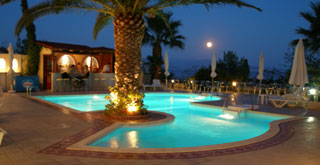 Tolon-Holidays Pool